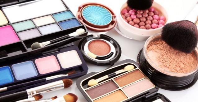 Hoeveel wij uitgeven een cosmetica