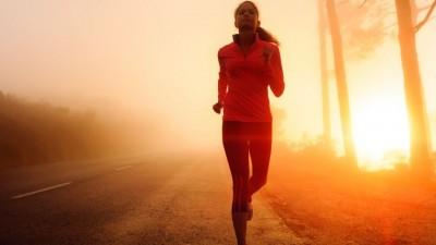 12 Liedjes die je harder laten zweten in de gym
